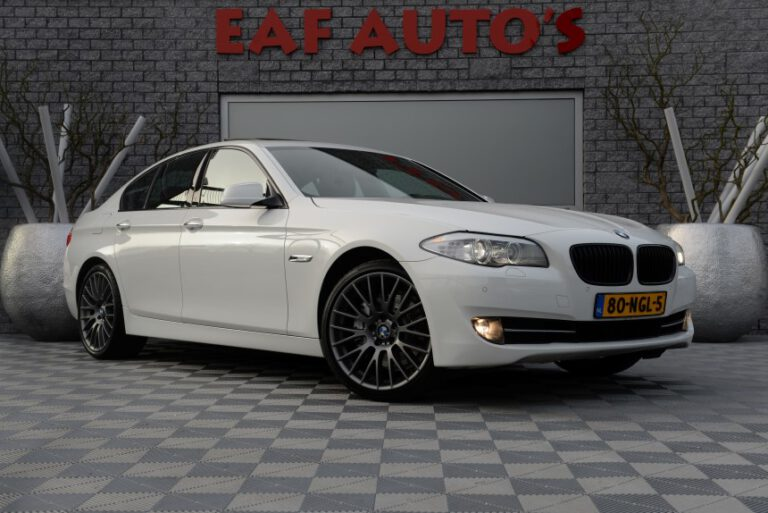 BMW 5-serie 528i High Executive Automaat