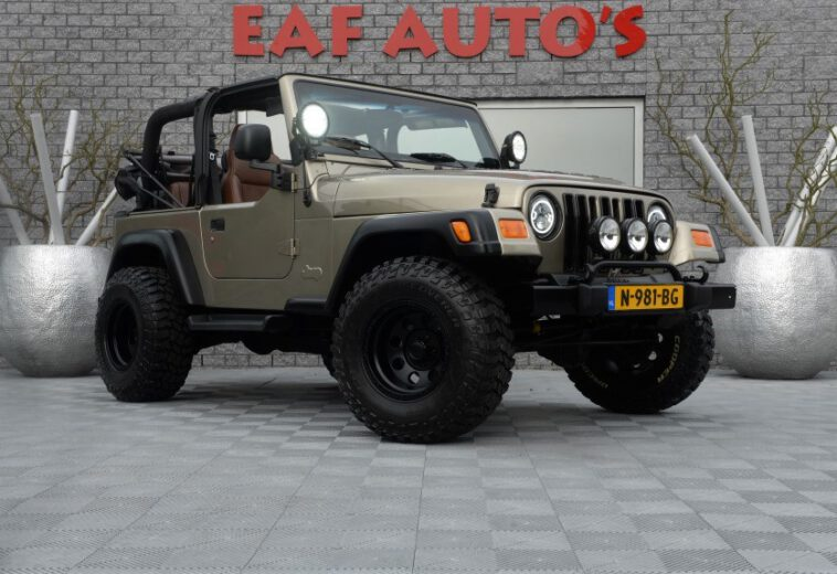 Jeep Wrangler 4.0i Cabrio Sahara